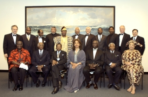 (left to right seated) H.E. Kaunda, H.E. Pereira, H.E. Masire, Tony-award winning actress Ms. Phylicia Rashad, H.E. Moi, H.E. Mwinyi, USAID's Dr.Sarah Moten.  (left to right standing) BU Board of Trustees Chairman Alan Leventhal, H.E. Monteiro, H.E. Chissano, H.E. Rawlings, H.E. Soglo, H.E. Offmann, BU Provost ad interim Dr. David Campbell, H.E. Buyoya, ChevronTexaco's Luddy Hayden, APARC International Host Committee Chairman & CEO of Sovereign Bank of New England John Hamill, and Federated Department Stores' Ed Goldberg at the APARC African Presidential Roundtable Dinner 2005 at the John F. Kennedy Library in Boston.