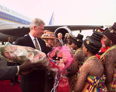 President Clinton and the First Lady arrive in Accra, Ghana.