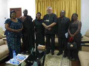 President Rawlings posed with the family after the meeting